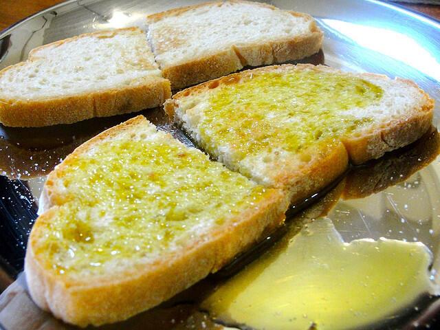 fettunta bruschetta olio extravergine d'oliva